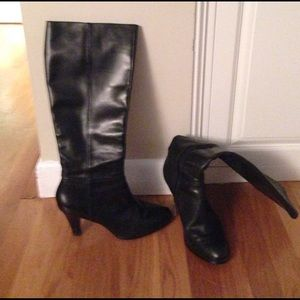 Banana Republic black heeled boots 9.5
